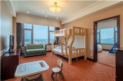 Family Suite with lake view