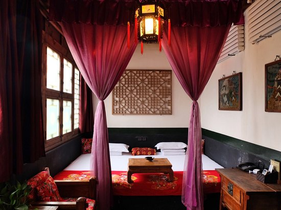 Executive  Ming and Qing Dynasties Deluxe Adobe Kang Room