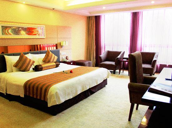Deluxe Smart Room