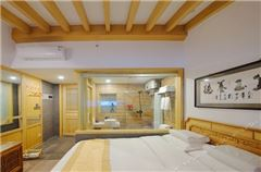 Panoramic Queen Room B