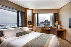 Fairmont Lake View Room