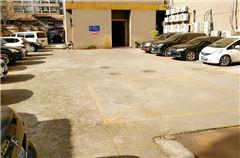 terrain de stationnement