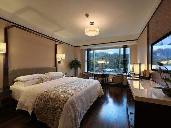 山景高級大床房