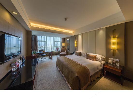 皇冠豪华大床房