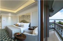 Part Lake-view Room
