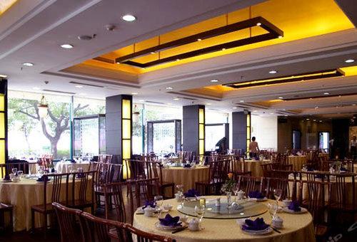 明湖苑大餐厅