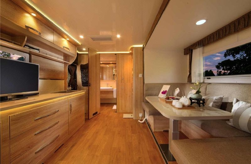 Couples Motor Homes