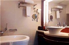Yihe Panoramic Multi-level Twin Suite