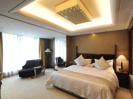 Grace Extreme Suite