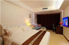 Deluxe Cityview King Room