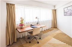 Executive Deluxe Family Suite