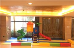 Aire de jeux pour enfants / club pour enfants