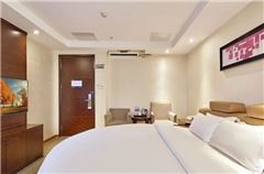 Yingshang Round-bed Room