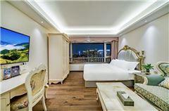 Super River-view Queen Room