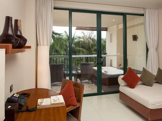 Deluxe Garden-view Room
