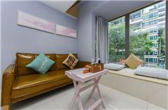 LOFT Multi-level Queen  Room