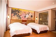 Archaic Deluxe Twin Room