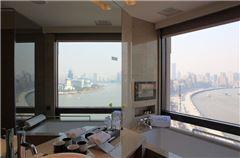 Shanghai River-view Room