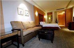 Feature Executive Queen Room