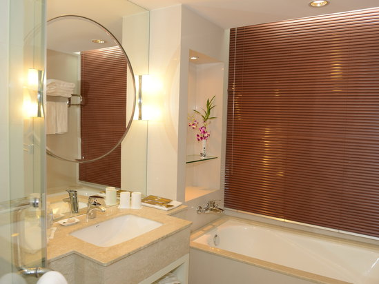 高级豪华双床房-浴室