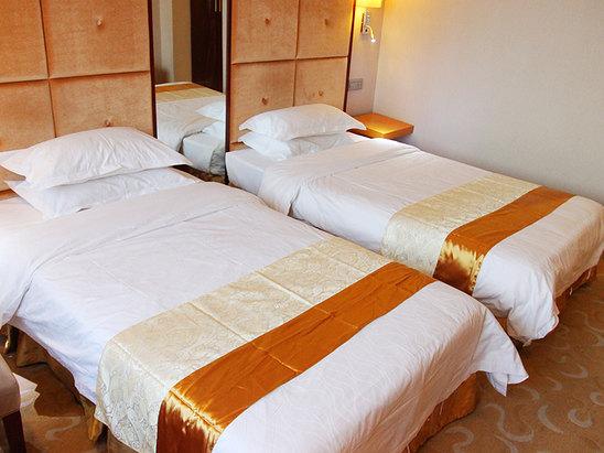 尊品大床房