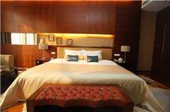 Mingshi Executive Queen Room