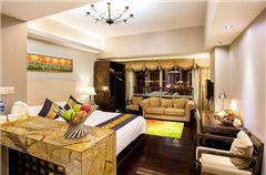 Deluxe Corner Queen Room