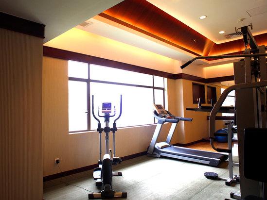 康体中心健身房