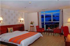 Standard River-view Queen Room