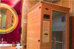 SaunaKing Health Suerior Queen Room