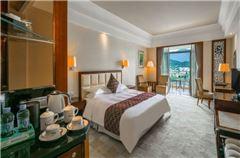 Deluxe Lake-view Queen Room