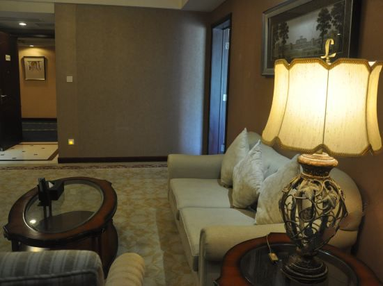 Executive 180degree Panoramic Suite