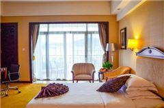 European Mountain-view Balcony Queen Room
