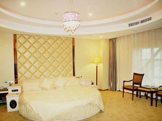 Deluxe Round-bed Room