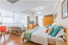 Pinghu Moon Deluxe Family Room