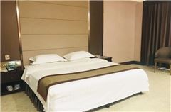 Executive 3-bedroom and 1-living room Suite