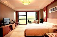 Deluxe River-view Suite