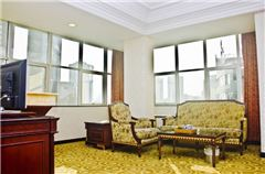 Main building European 1-bedroom and 1-living room Suite