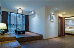 Water edge · River-view Deluxe Balcony Queen Room