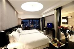 Deluxe Rive-view Twin Room