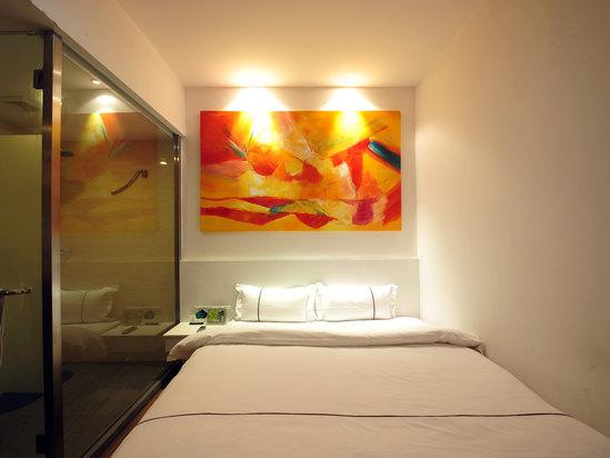 智能标准大床房