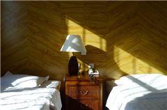 庭院西厢双床房