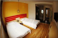 都市陽光雙床房