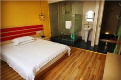 舒適陽光大床房