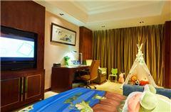 Family Queen Room