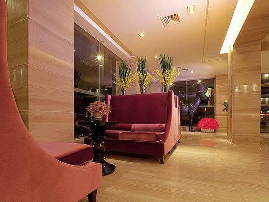 The lobby lounge area