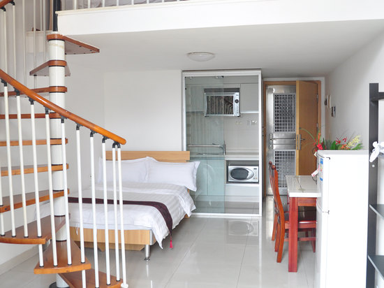 Multi-level Twin Room