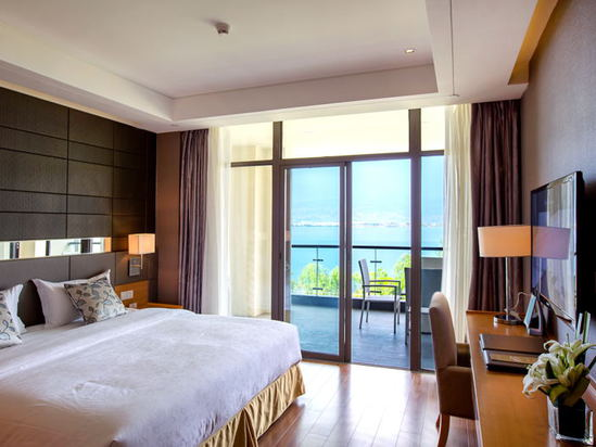 Superior Sea-view Suite