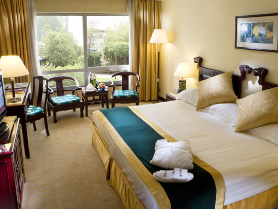 Superior Room(minimum of 2 nights)(double occupancy)[with breakfast]