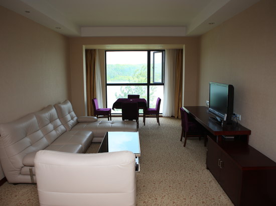 Lake-view Suite